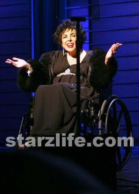 Elizabeth Taylor Defends Kathy Ireland Over Oscar Claims
