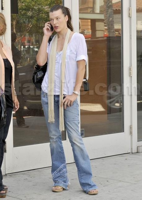 082009_SL_Jovovich04
