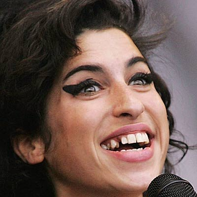 Amy Winehouse Disrupts Pantomime, Read On to Learn What a Pantomime Is