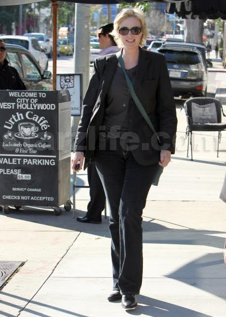 STARZLIFE PICS: Jane Lynch Be All Tall and Stuff