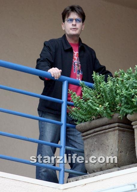 Charlie Sheen Enters Rehab!