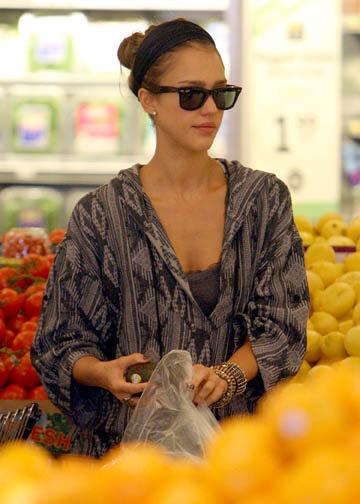 jessica alba pregnant 2010. Pregnant actress Jessica Alba