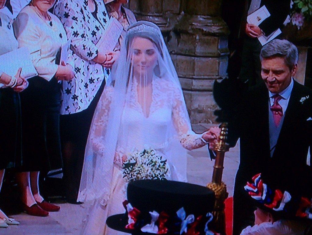 Kate Middleton Knock Off Wedding Dress Has Arrived Starzlife