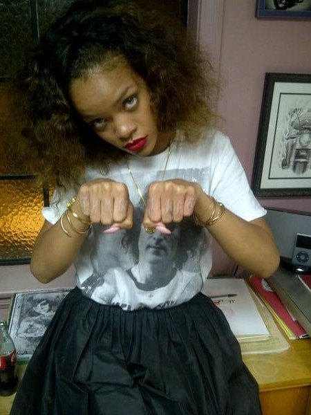 Rihanna Pays Honor To Tupac With Thug Life Tattoo