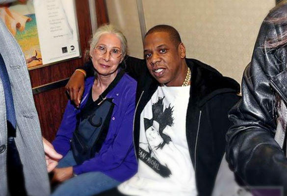Jay Z Chats With Woman On Subway Before Brooklyn Performance